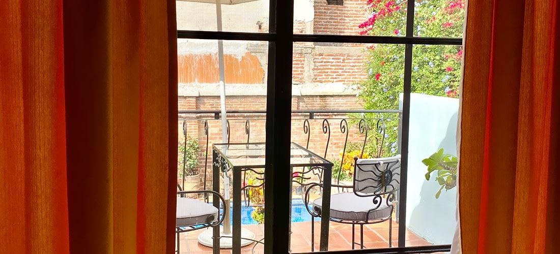 Jardin Guest Room Balcony